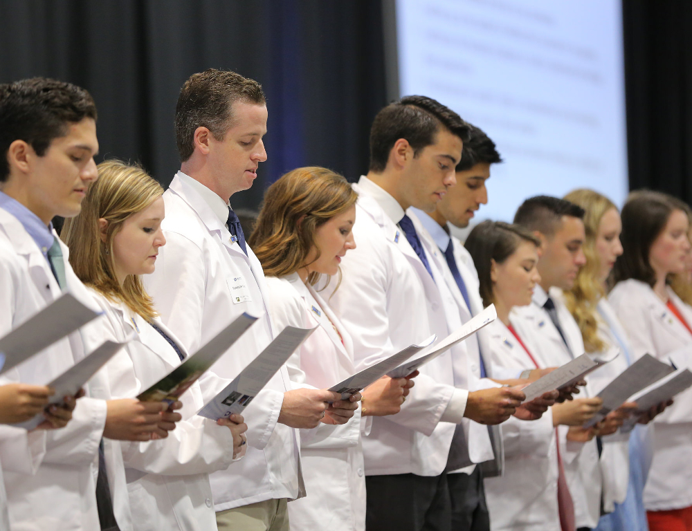 College of Medicine holds White Coat Ceremony for 50th entering MD ...